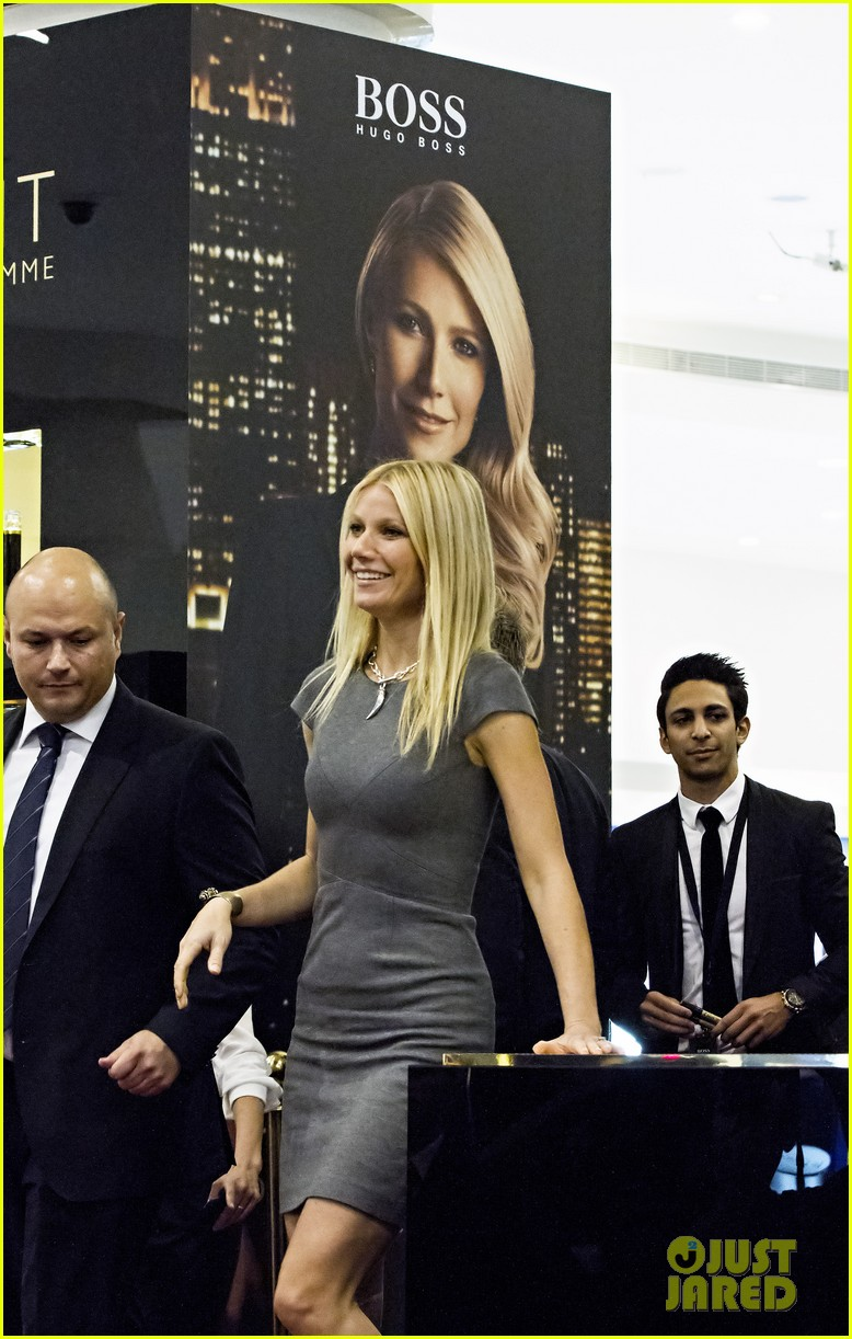 gwyneth paltrow boss nuit appearance in dubai 08