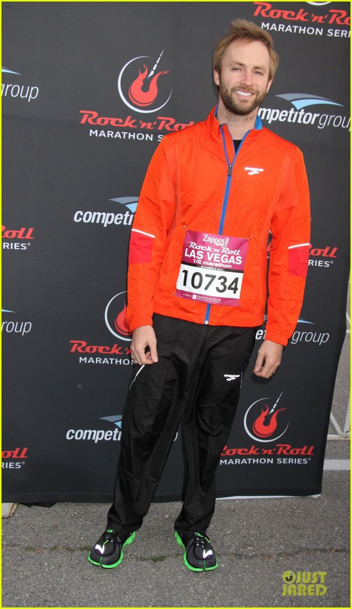 nikki reed & paul mcdonald rock n roll marathon & half marathon 07