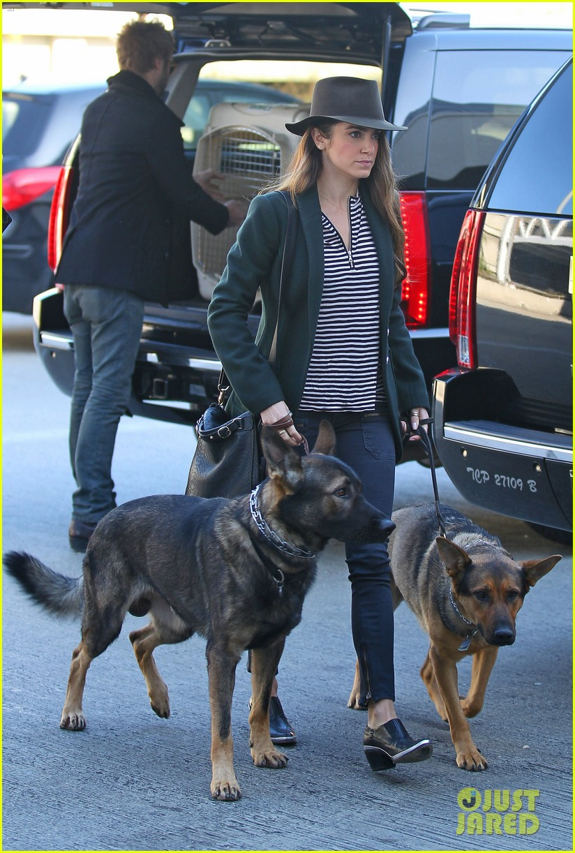 nikki reed paul mcdonald airport with pups 05