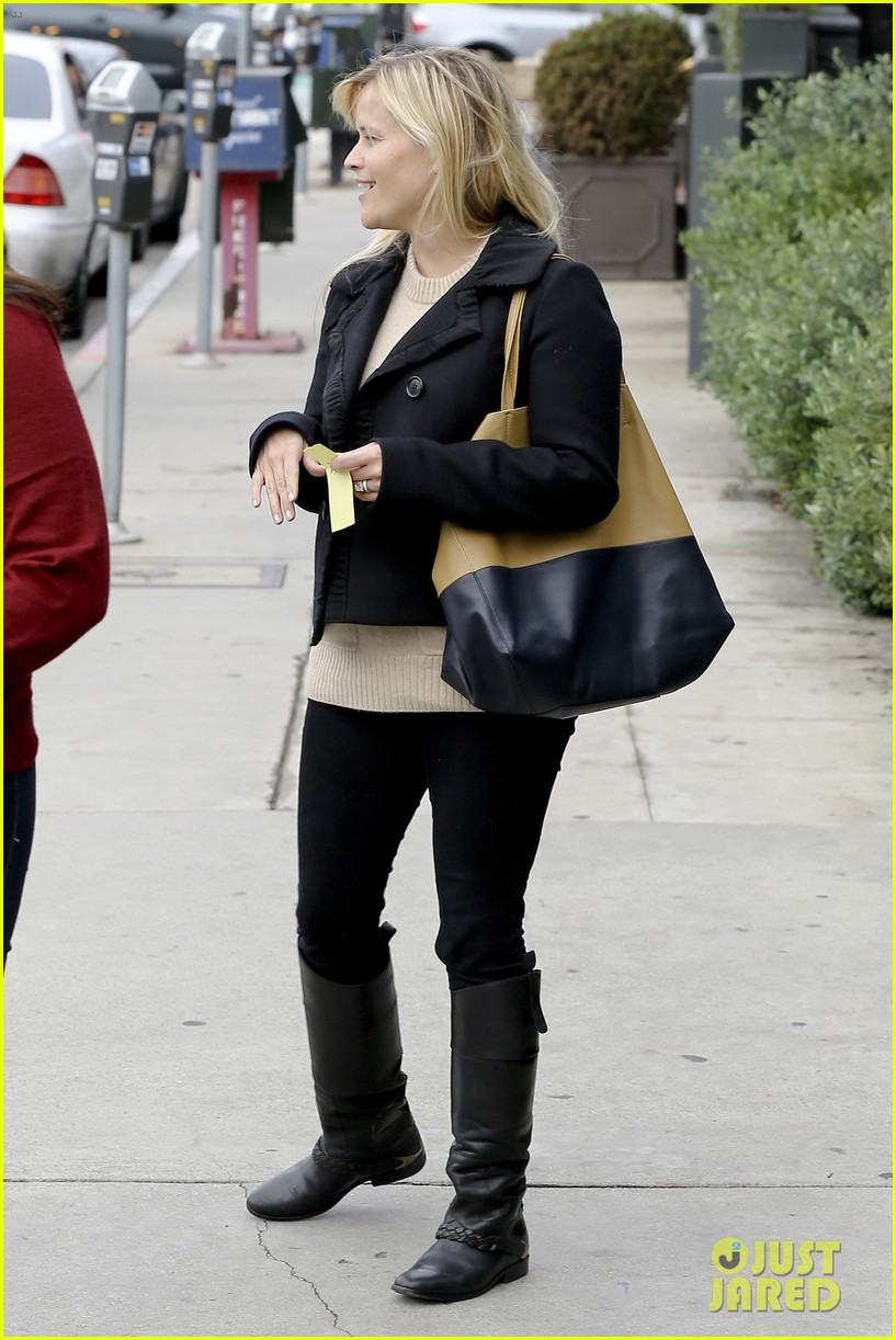 mindy kaling reese witherspoon lunch 18