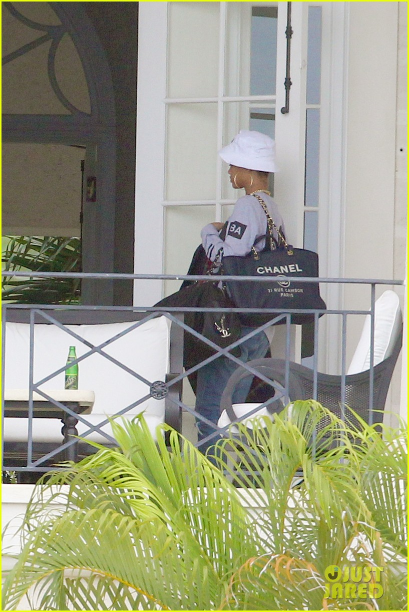 rihanna gran gran dolly memorial at barbados hospital 09
