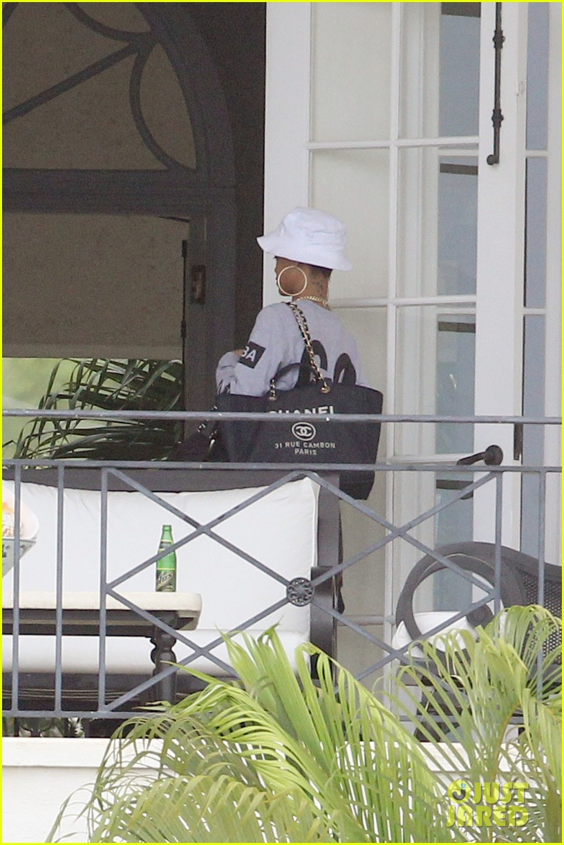 rihanna gran gran dolly memorial at barbados hospital 10