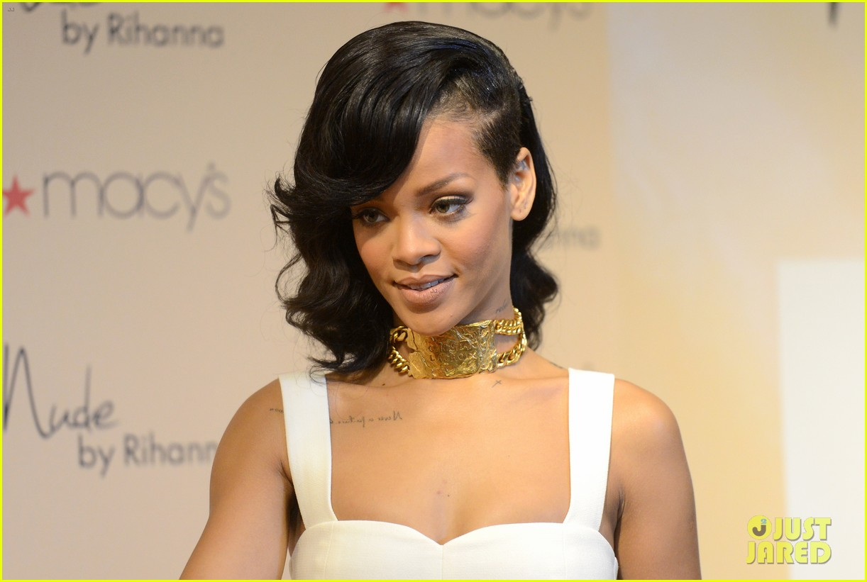 rihanna nude fragrance launch 17