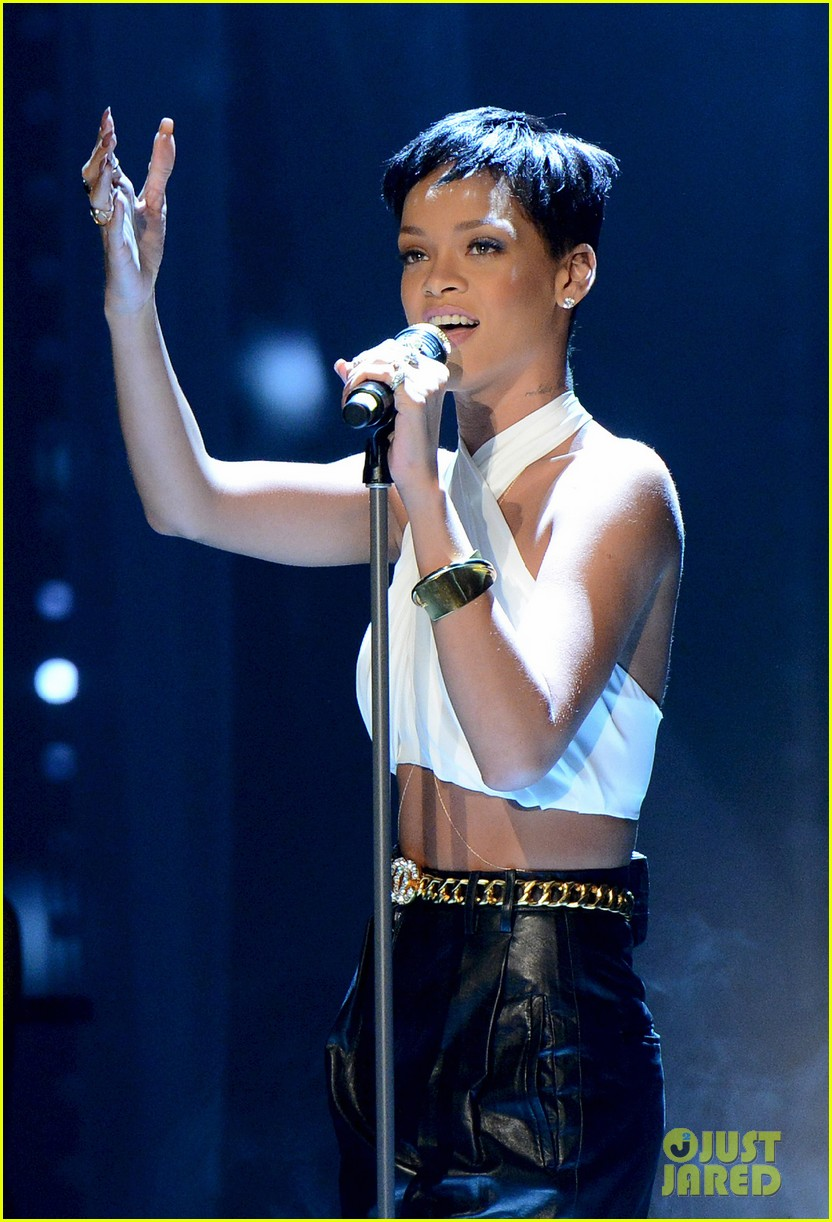 rihanna pink alicia keys wetten daas performances 08