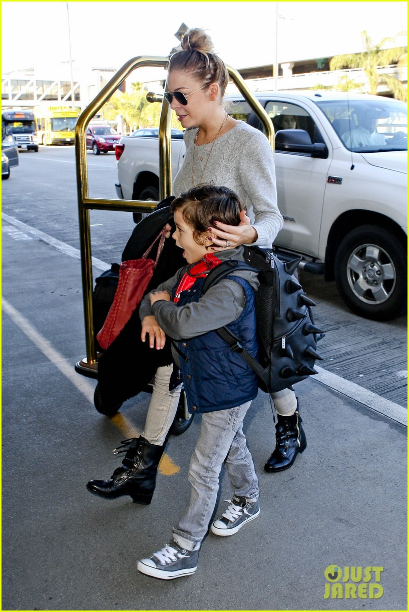 leann rimes post holiday nashville trip with the family 06