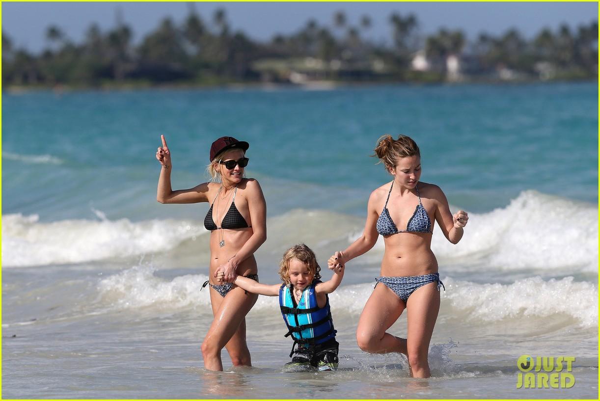 ashlee simpson bikini babe in hawaii 11
