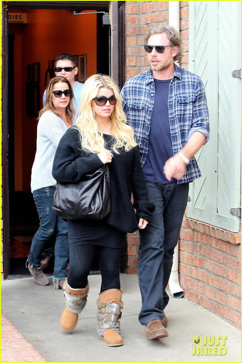 jessica simpson eric johnson kings fish house lunch 03