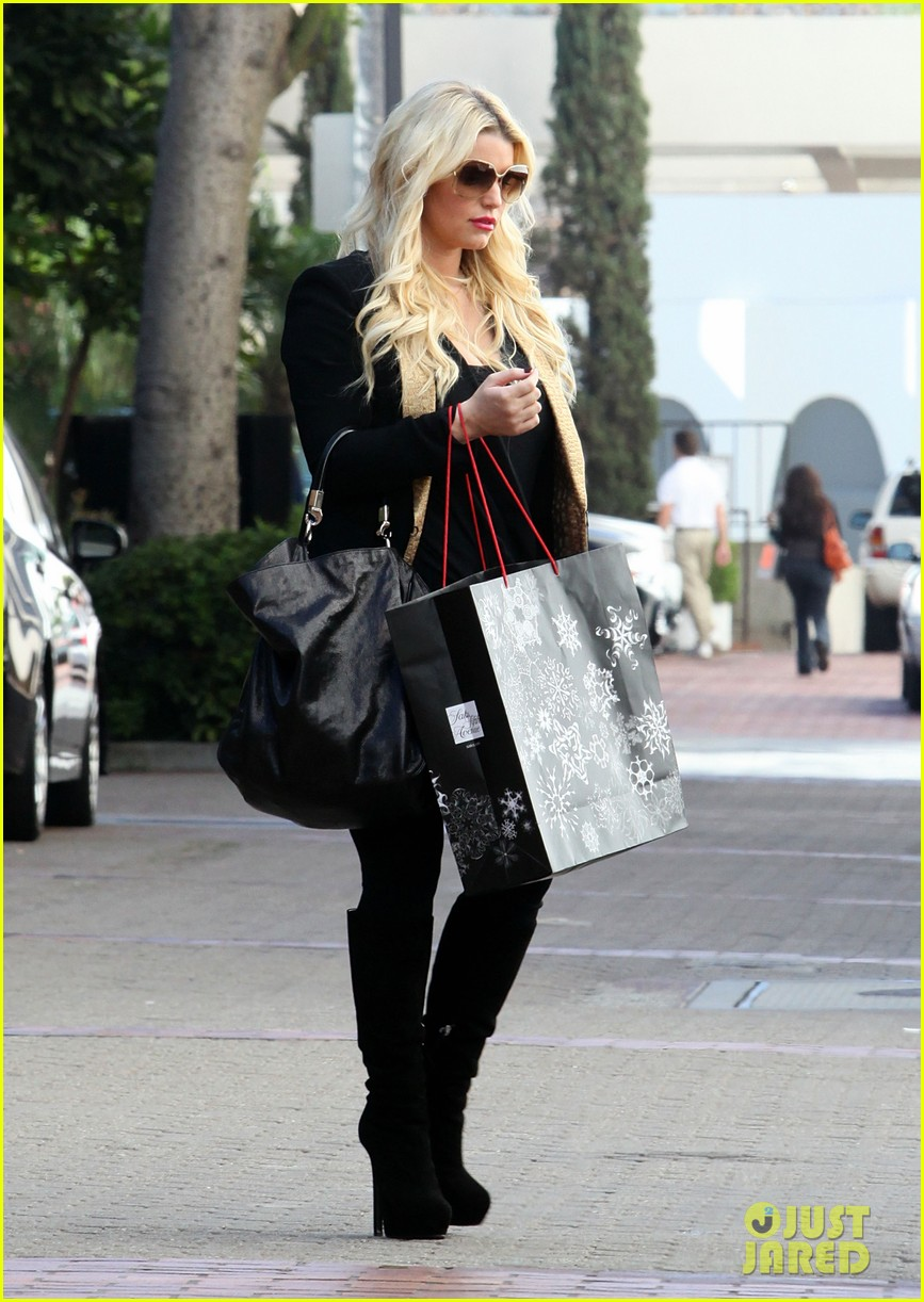 jessica simpson saks shopping spree in stilettos 10