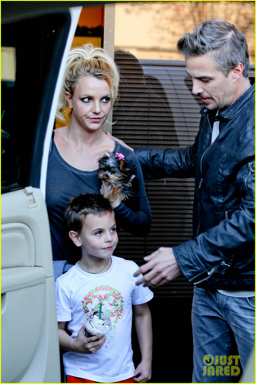 britney spears jason trawick music academy with the boys 04