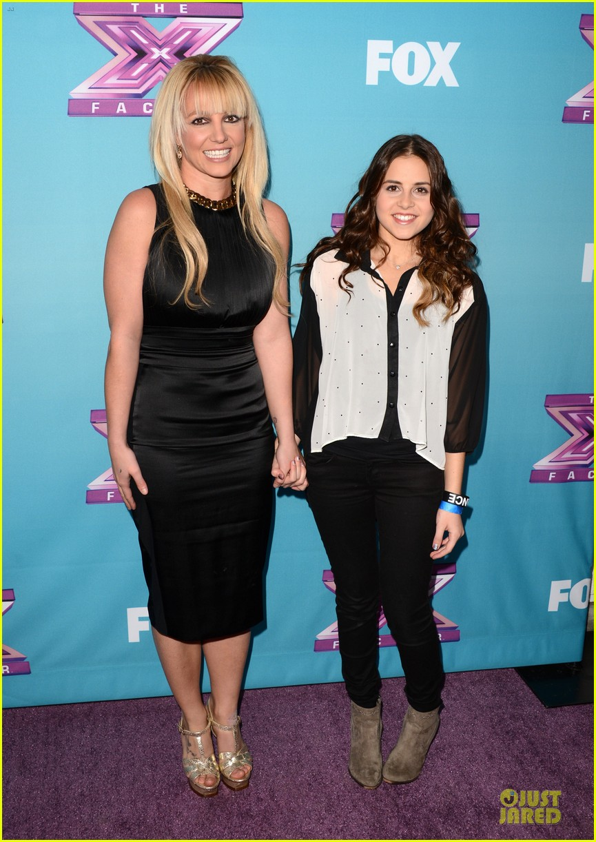 britney spears & demi lovato x factor finale conference 01