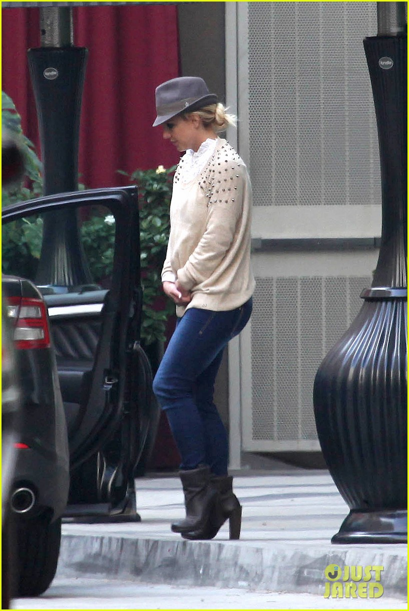 britney spears west hollywood lunch 13