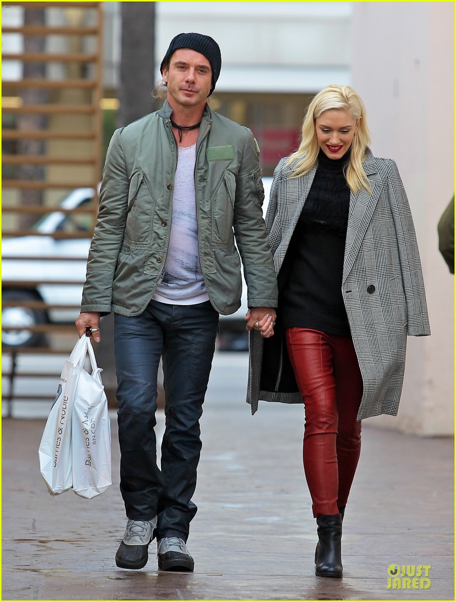 gwen stefani & gavin rossdale holiday shopping couple 10