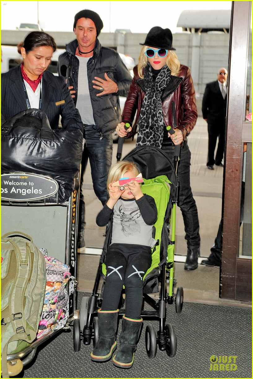 gwen stefani & gavin rossdale holiday travel with the kids 082779587