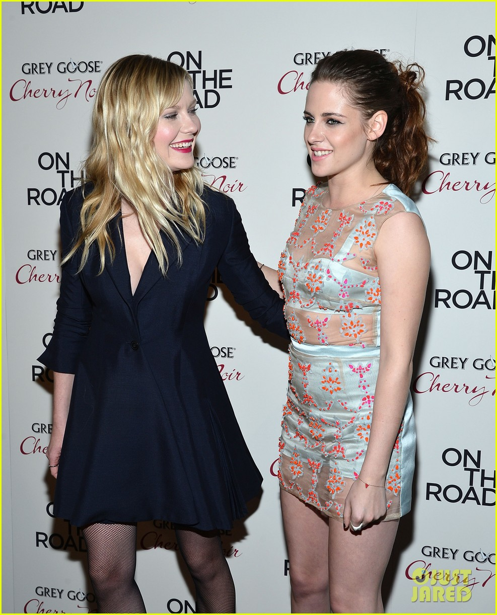 kristen stewart kirsten dunst on the road premiere 102775584