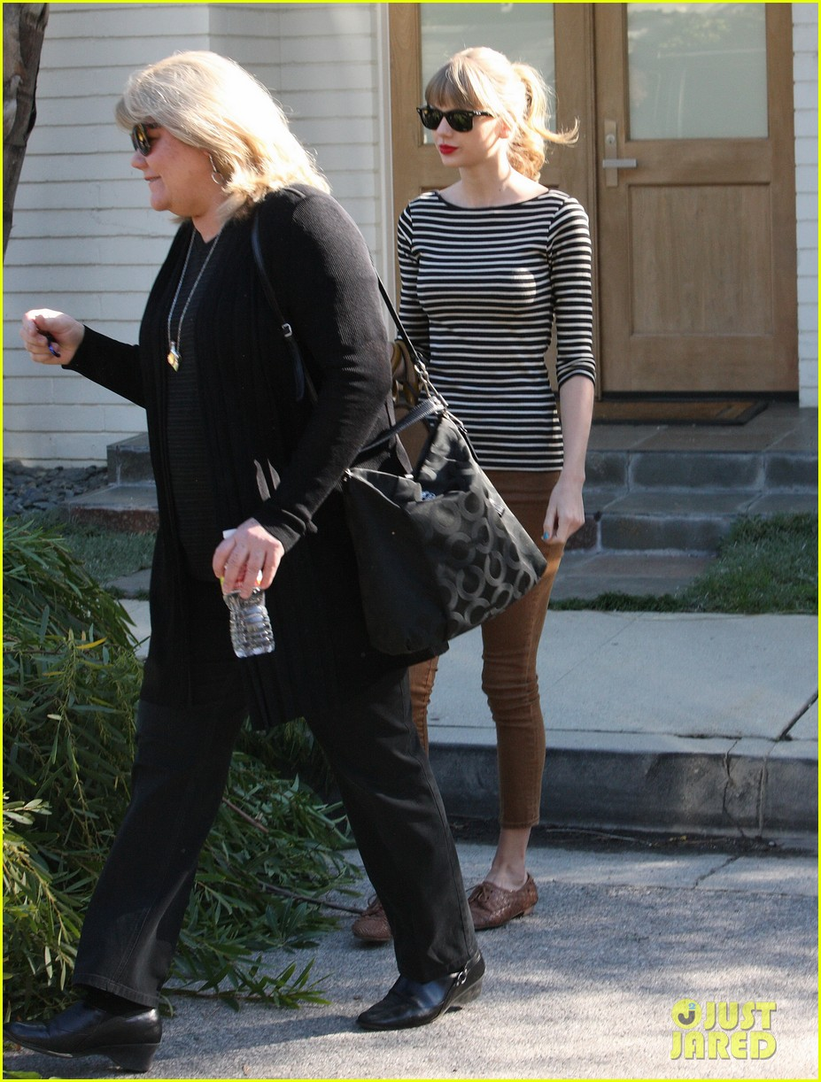 taylor swift harry styles leave her home in la 08