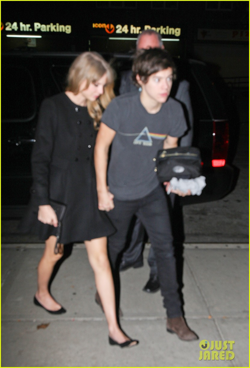 taylor swift harry styles holding hands after 1d concert 08