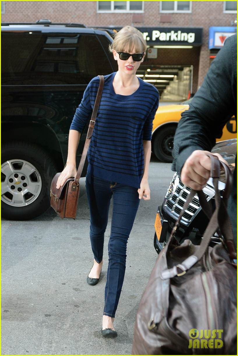 taylor swift striped starlet after harry styles date 112768600