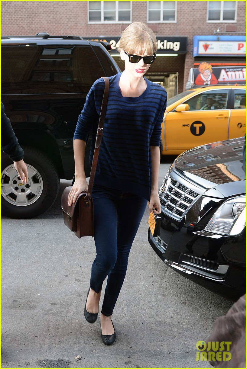 taylor swift striped starlet after harry styles date 13