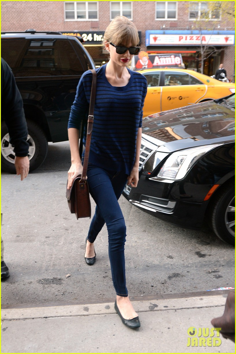 taylor swift striped starlet after harry styles date 14