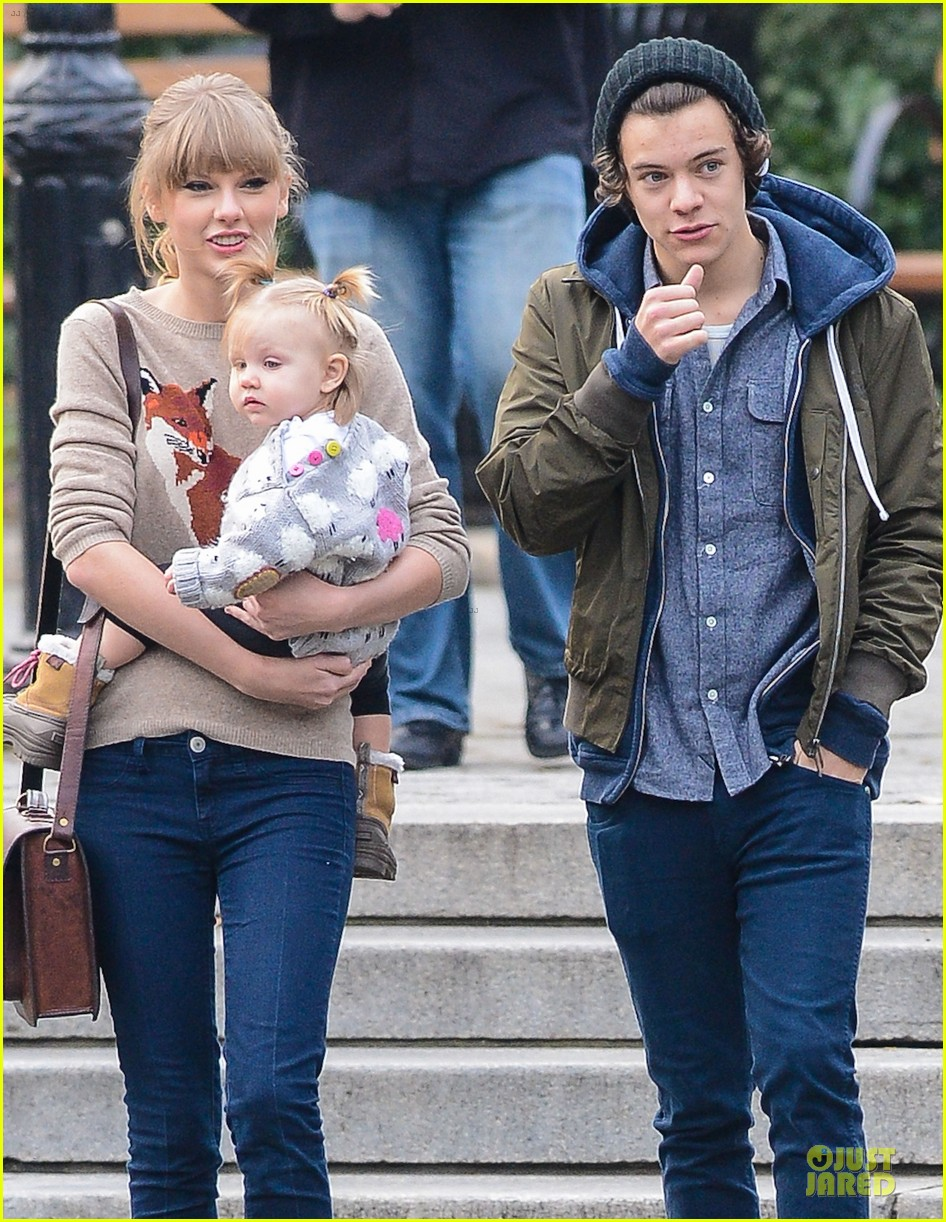 taylor swift harry styles central park stroll 14