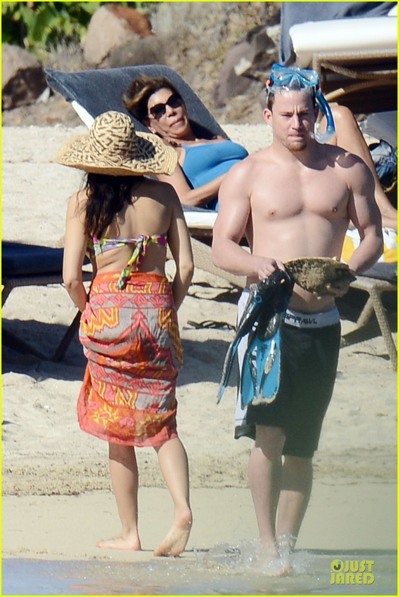 pregnant jenna dewan kisses shirtless channing tatum 06