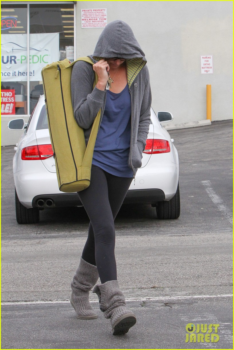 charlize theron pharmacy stop in los angeles 082774669