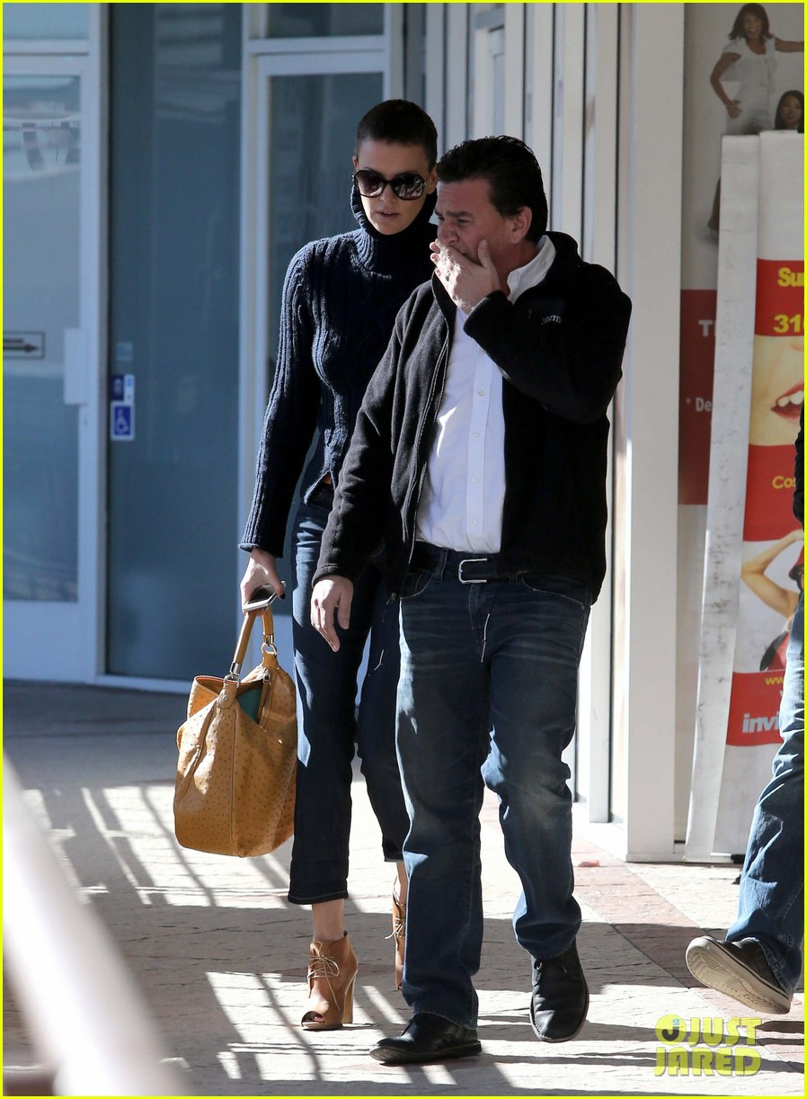 charlize theron west hollywood lunch with pals 032778858