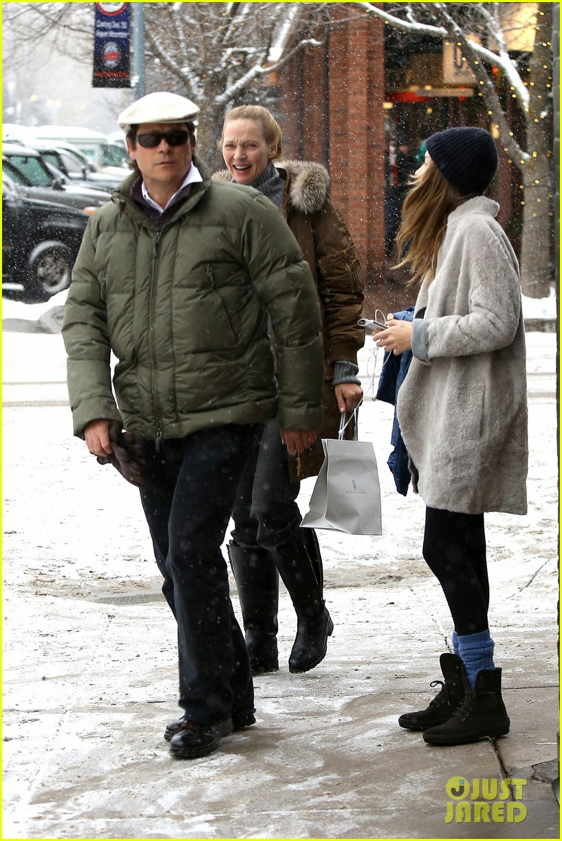 uma thurman arpad busson snow aspen stroll with maya 24