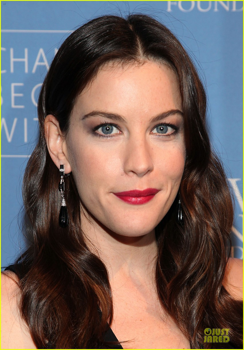 liv tyler milos birthday walk 082776538