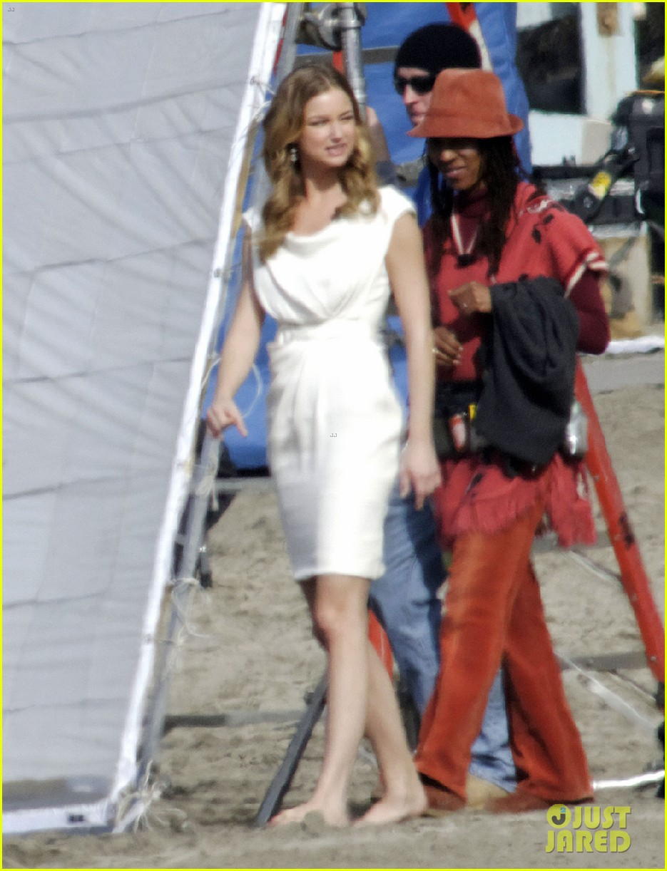 emily vancamp films revenge spoiler scenes 07