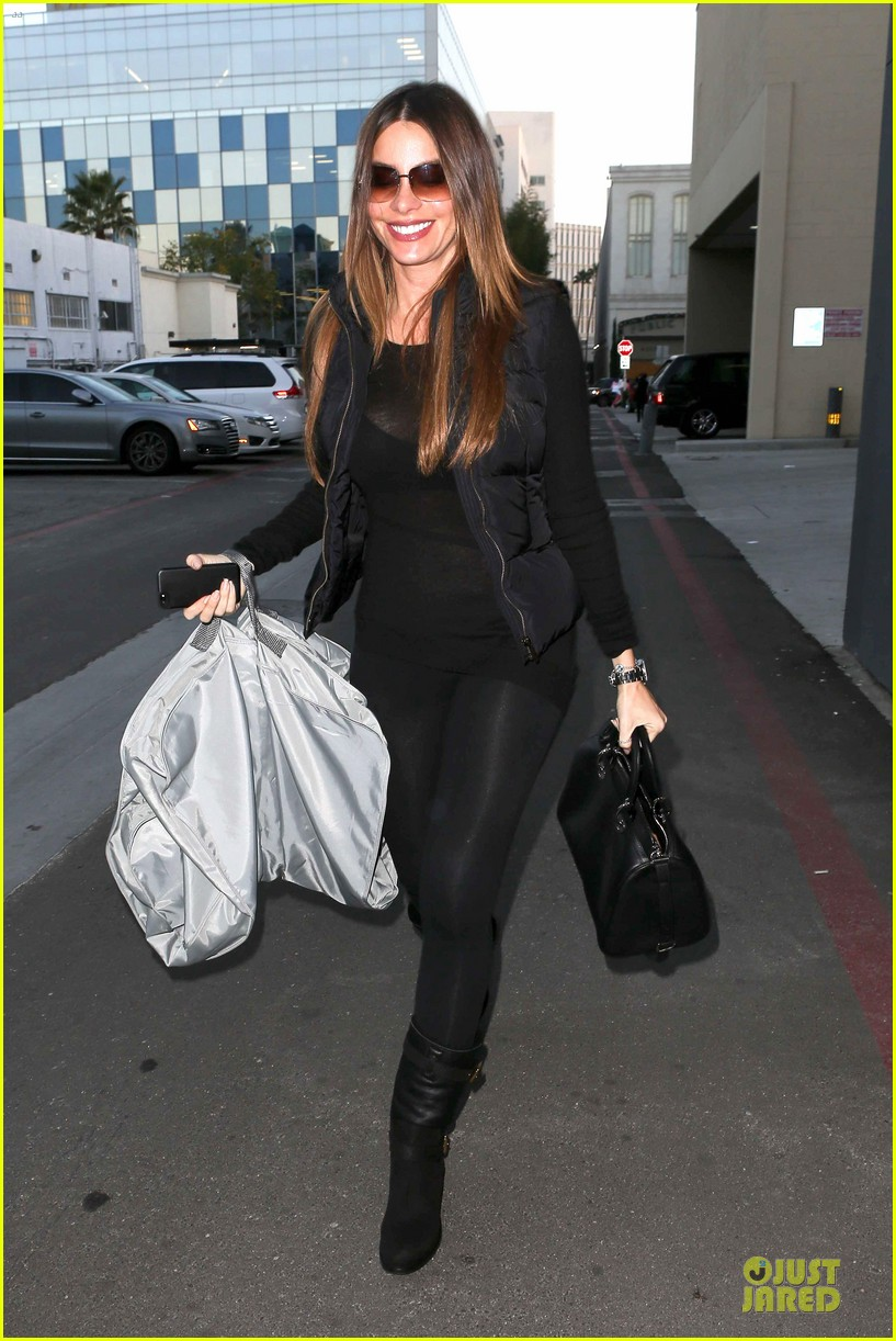 sofia vergara sheer garment carrying gal 09