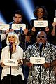 the voice tributes newtown shooting victims with hallelujah 07