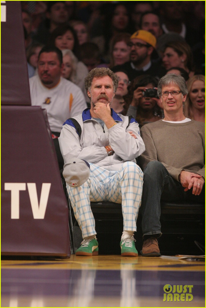 mark wahlberg will ferrell court side laker guys 03