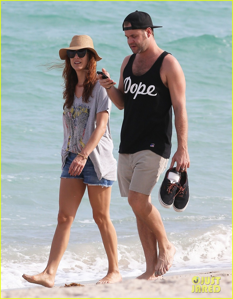 kate walsh bikini babe miami beach 32