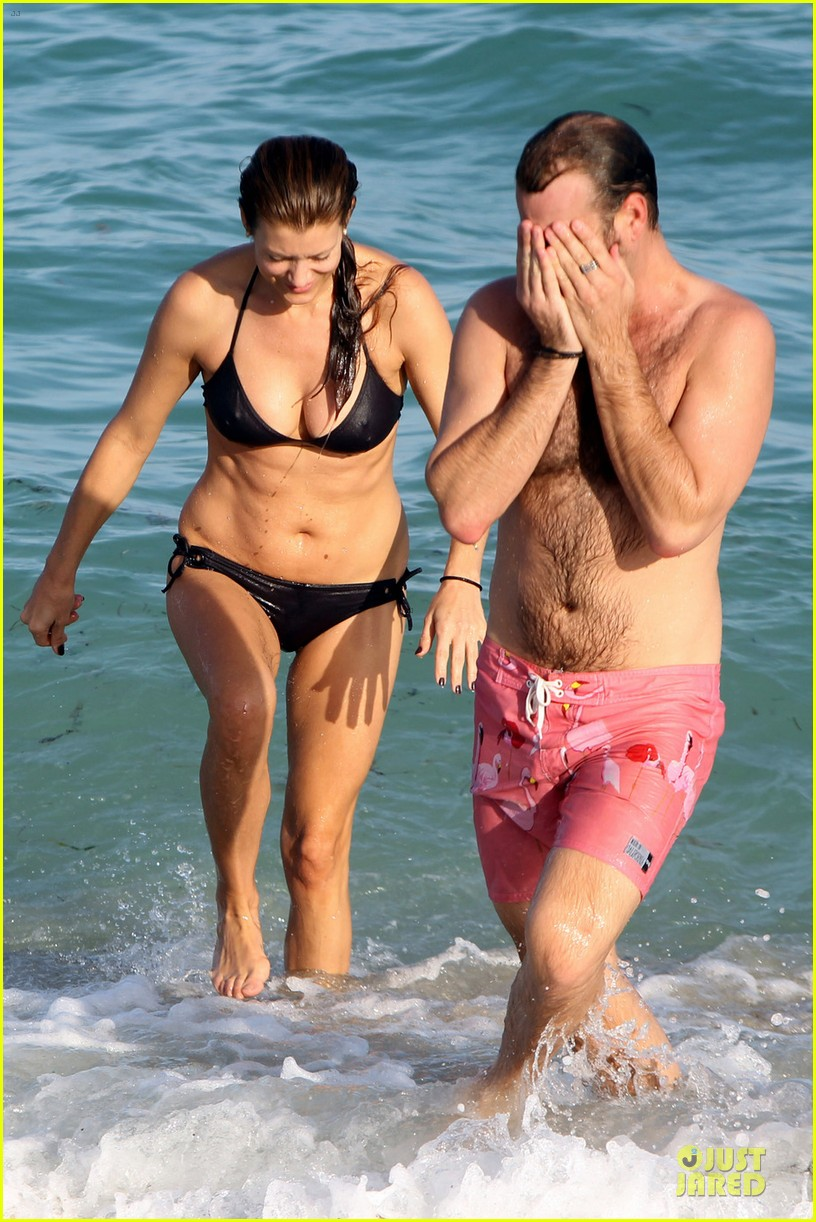 kate walsh bikini babe in miami 032774085