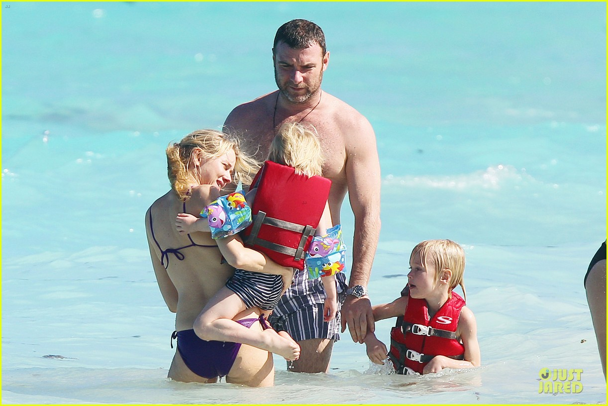 naomi watts st barths beach fun with shirtless liev schreiber 07