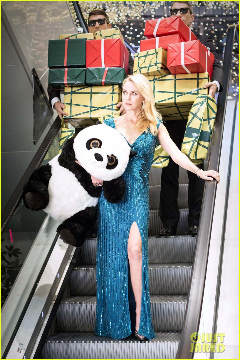 naomi watts promo shoot with panda bear 012767966
