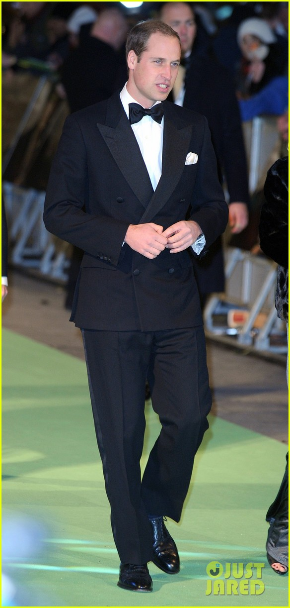 prince william hobbit premiere without kate middleton 012774594