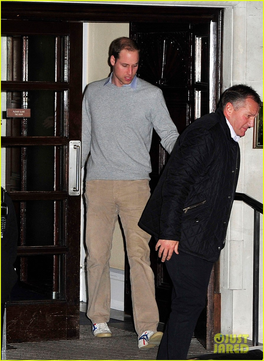 prince william leaves hospital after kate middleton pregnancy news 01
