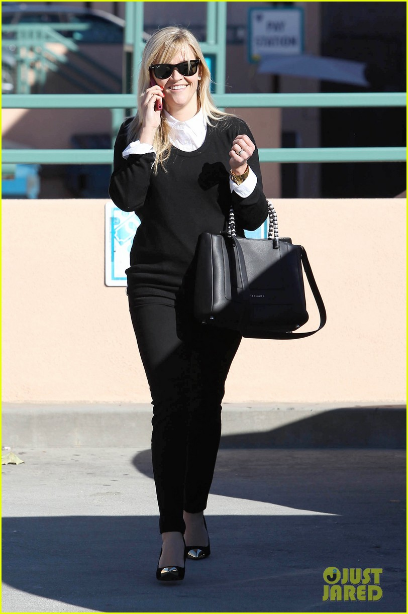 reese witherspoon le pain quotidien lunch 12