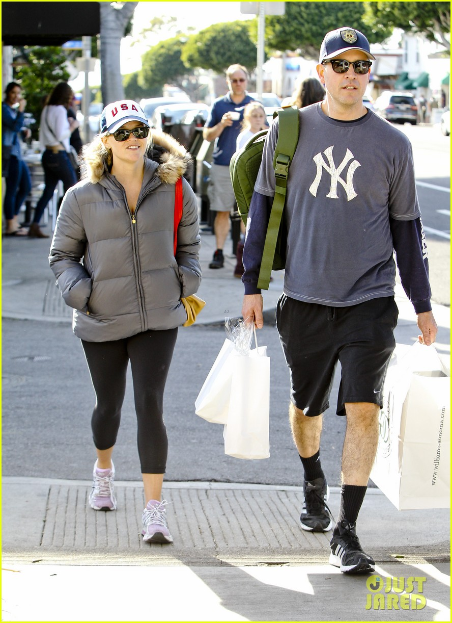 reese witherspoon jim tosh christmas shop 152779529