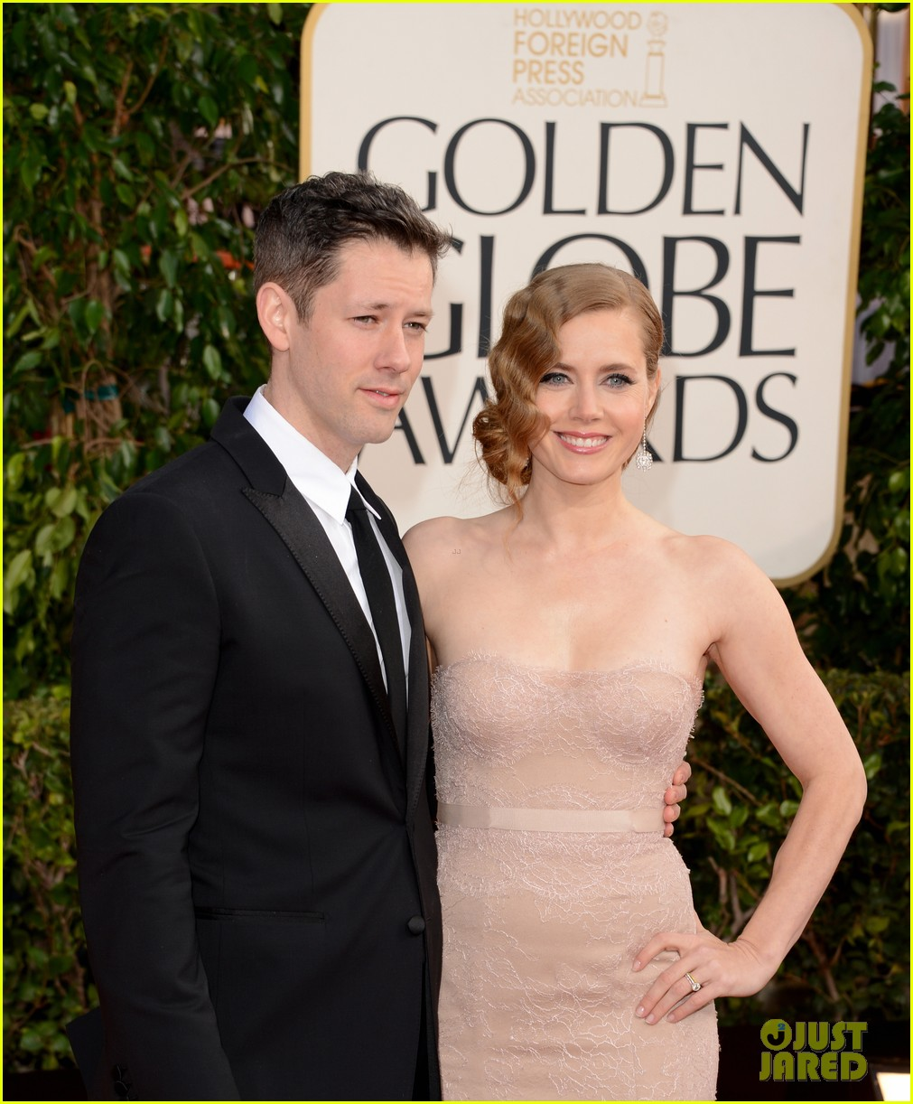 amy adams golden globes 2013 red carpet 042791272
