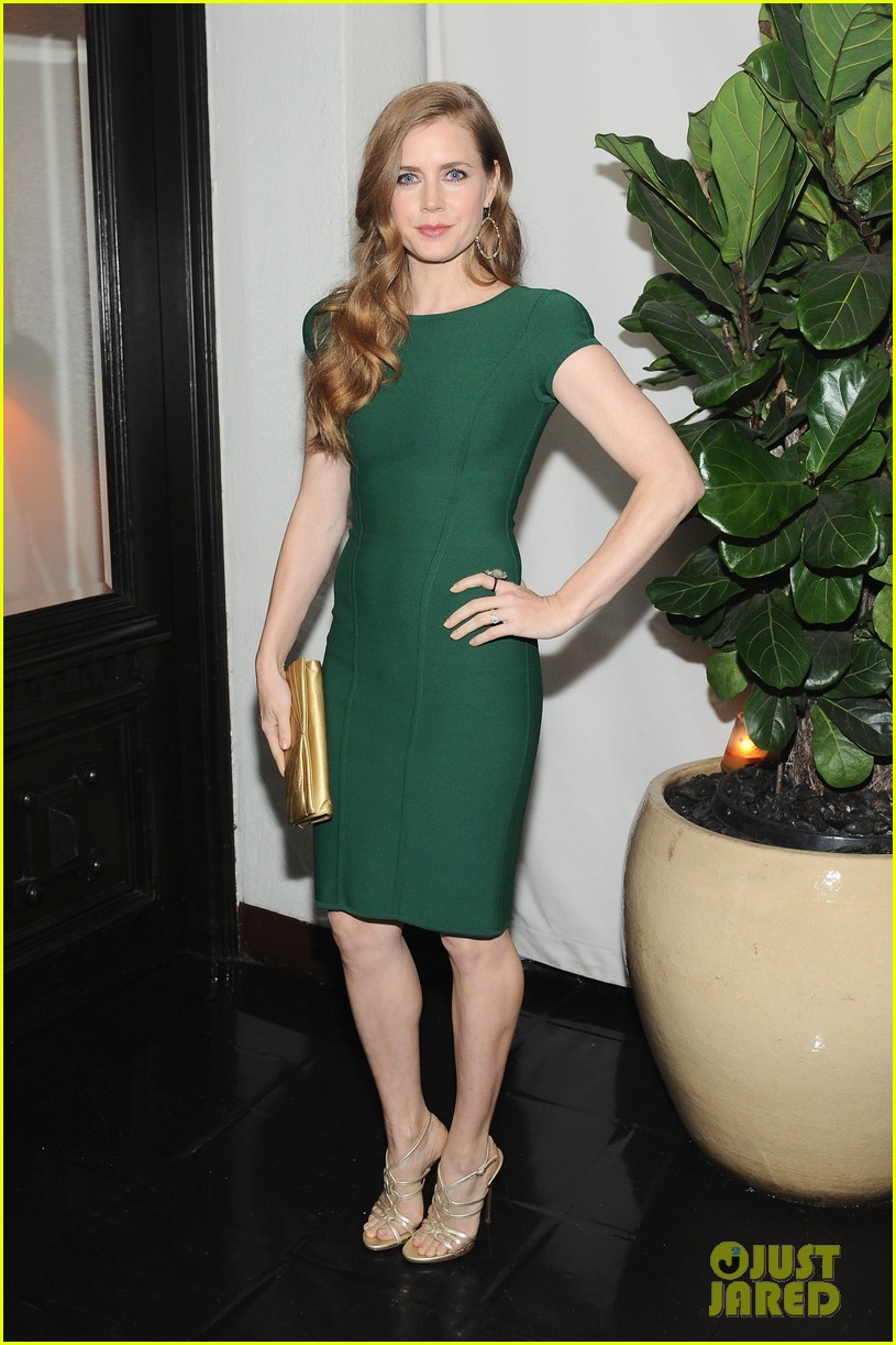 amy adams eddie redmayne w magazine pre golden globes party 012789604