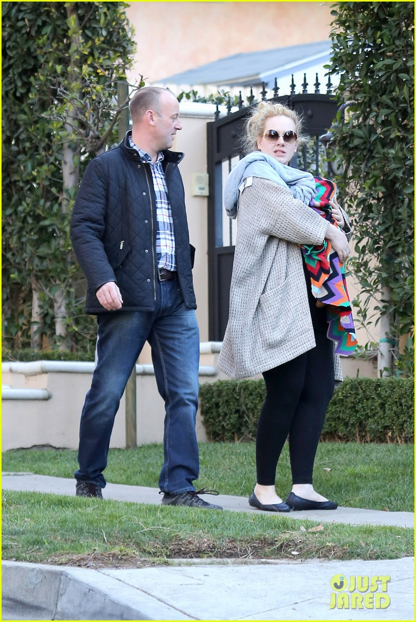 adele beverly hills stroll with baby boy 06