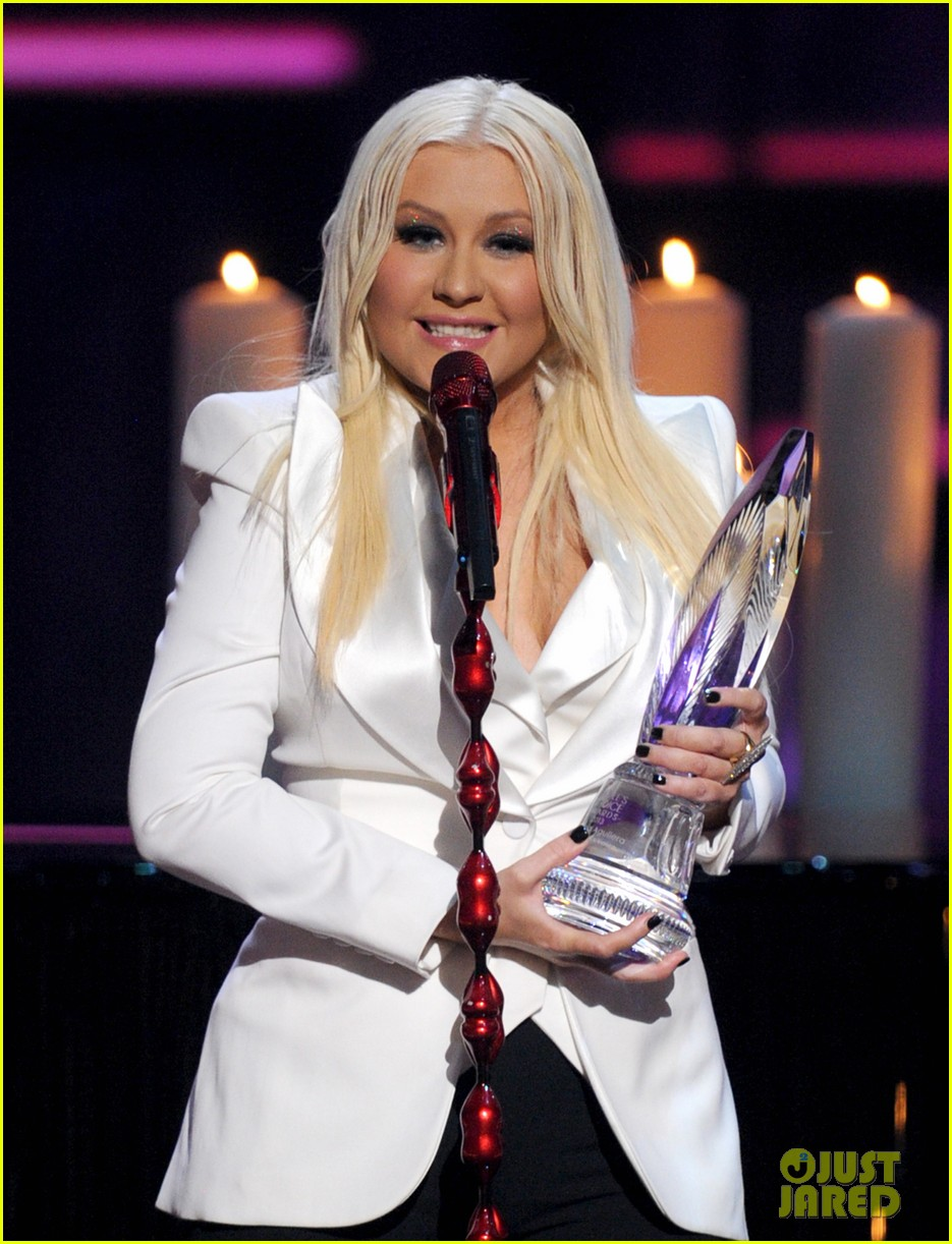 christina aguilera peoples choice 2013 12