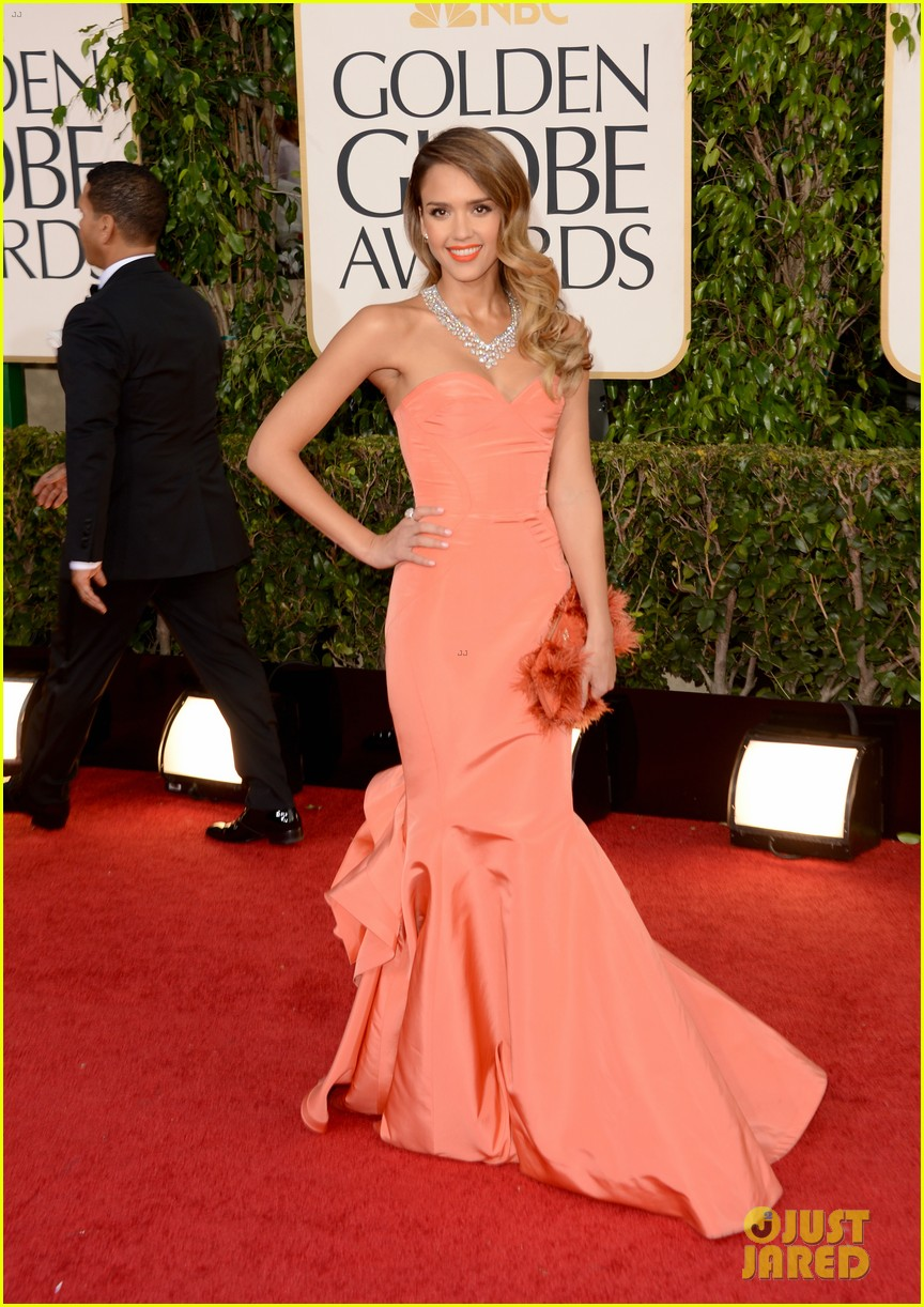 jessica alba golden globes 2013 red carpet 05