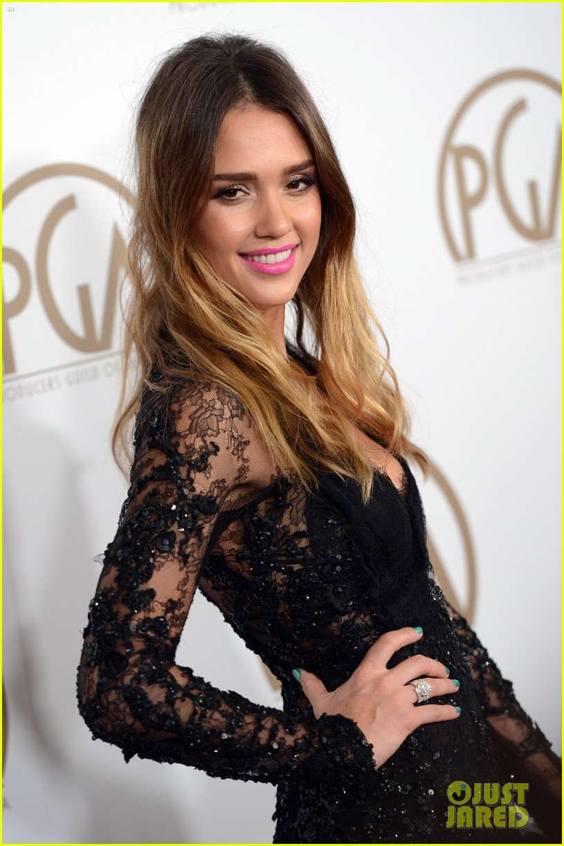 jessica alba cash warren pga red carpet 062799104