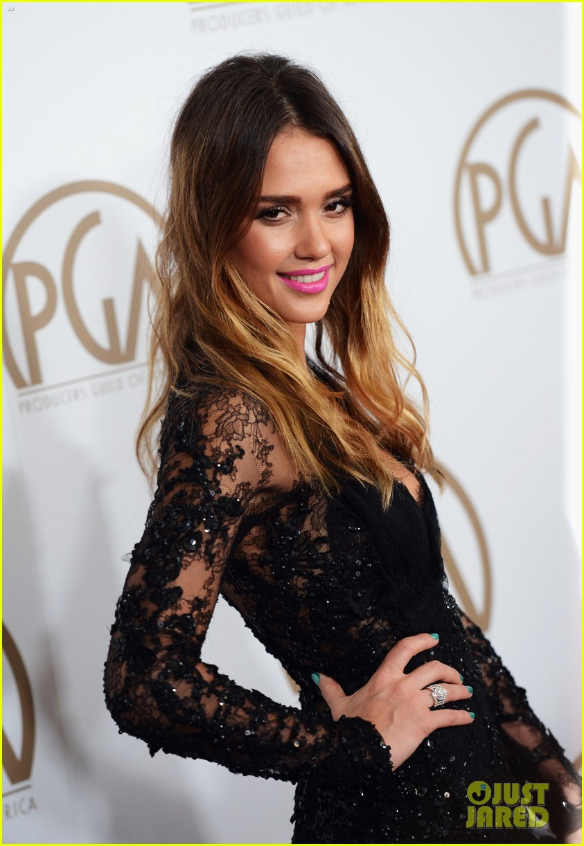 jessica alba cash warren pga red carpet 10