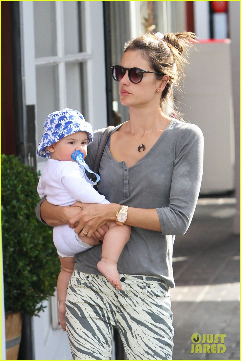 alessandra ambrosio brentwood country mart noah 02