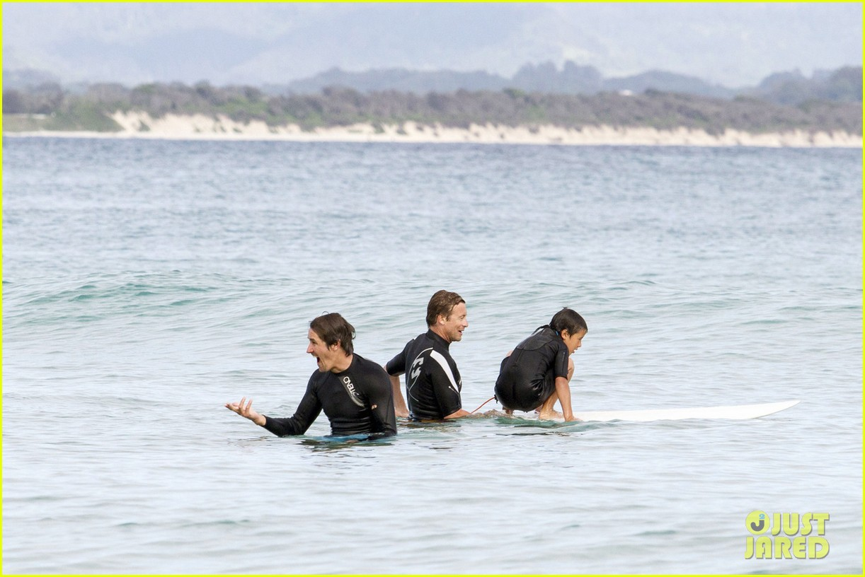 Simon Baker Scar Posted in simon baker: surfing
